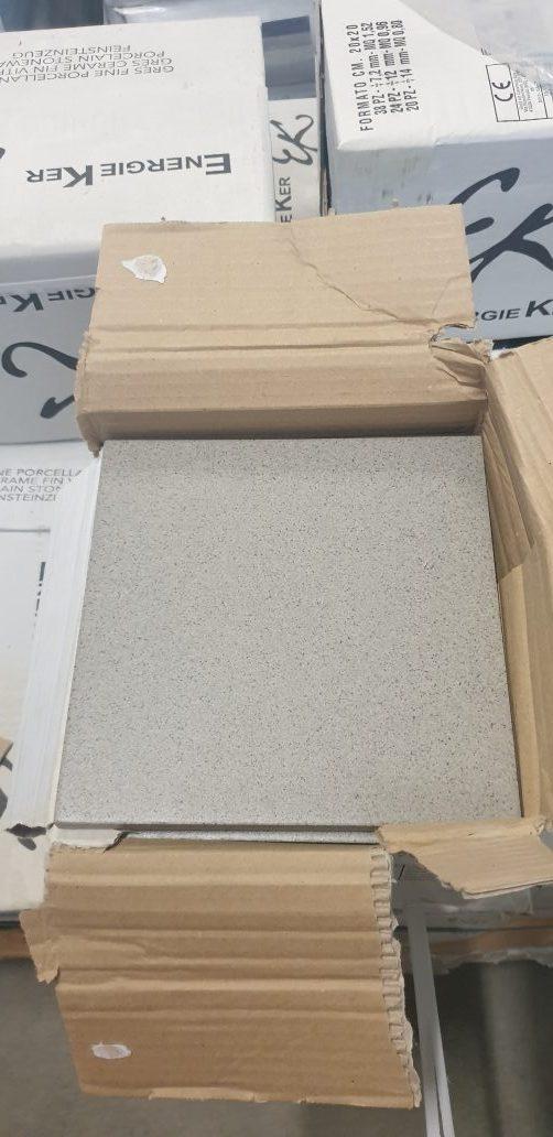 gres porcellanato 20*20 spessore 1,2 per esterno